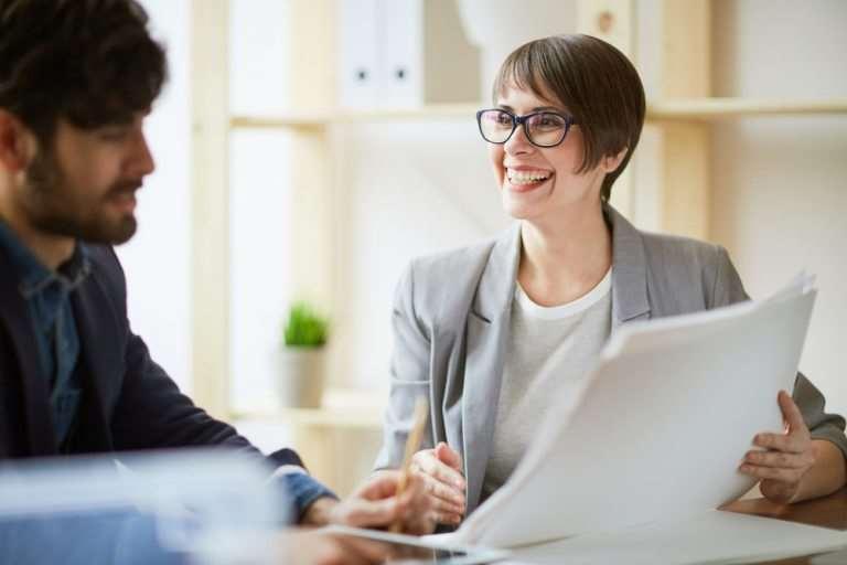 Cum obții scrisoarea de recomandare: model și sugestii de redactare pentru angajatori