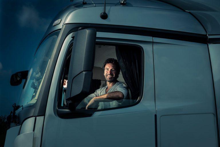 Cum te angajezi ca șofer: salariu, documente, responsabilități și abilități necesare