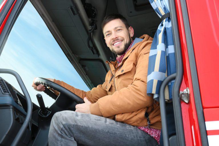 Cum scrii CV-ul și scrisoarea de intenție dacă vrei să te angajezi ca șofer