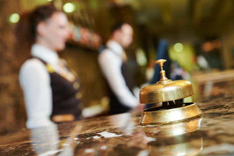 Joburi într-un hotel: ce posturi poți găsi și ce trebuie să știi despre ele