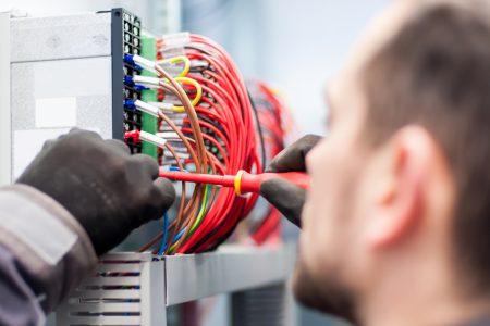 cum să faci un electrician de la distanță online)