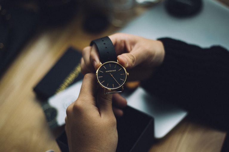 Jobul de ceasornicar: ce aptitudini îți solicită și ce câștiguri îți aduce