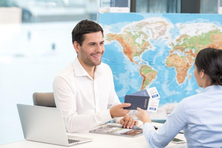 Agentul de turism: ce trebuie să faci, de ce calități ai nevoie și cât poți câștiga