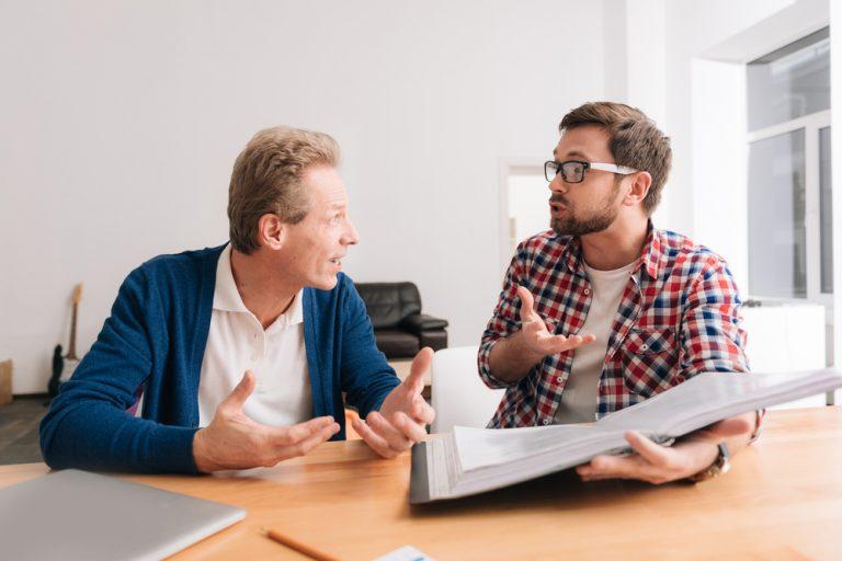 Conflictele de muncă – tipuri, când pot să apară și cum pot fi soluționate