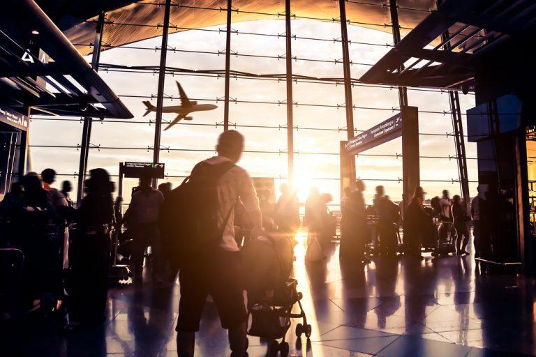 Angajarea cetățenilor străini în România: condiții, acte necesare, legislație