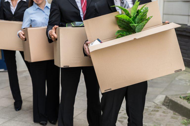 Concedierea colectivă – în ce condiții se aplică. Ce drepturi și obligații ai într-o astfel de situație