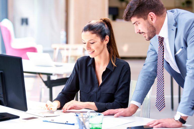 Meseria de secretară – ce pregătire îți trebuie, de ce calități ai nevoie și cât poți câștiga