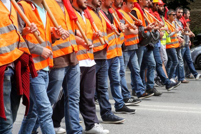 Cum se organizează o grevă: cadru legislativ, condiții de declanșare și drepturile angajaților