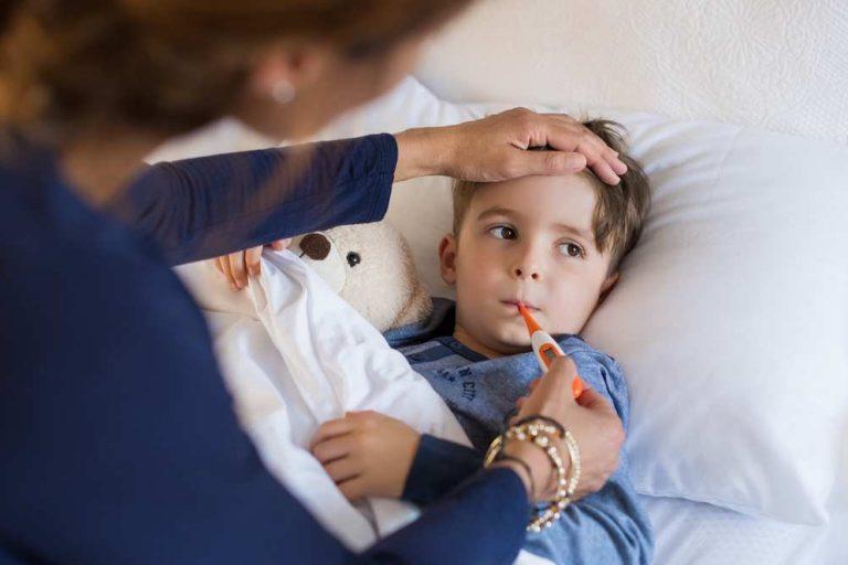 Concediul de îngrijire a copilului bolnav: în ce condiții se acordă și cum se calculează