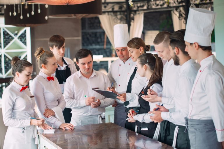 Cum devii manager de restaurant
