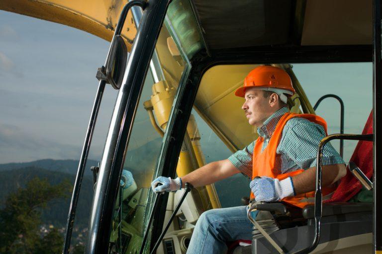Meseria de excavatorist: salariu, avantaje, pregătire necesară