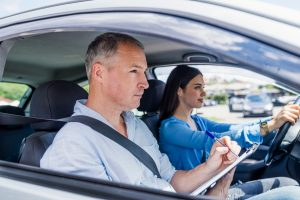 Ce trebuie sa stii daca vrei sa devii instructor auto