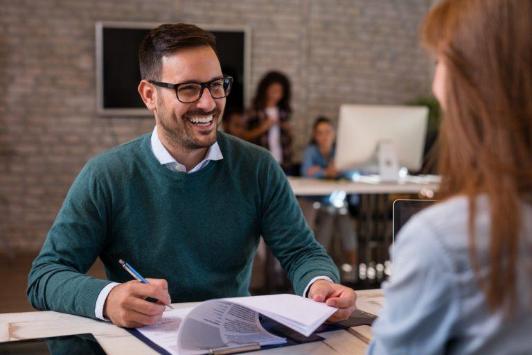 Agentul de recrutare: avantaje, dezavantaje, detalii mai puțin cunoscute
