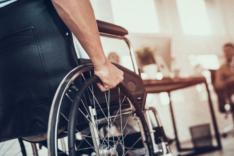 Cum creezi un mediu de lucru primitor pentru un nou angajat cu dizabilități