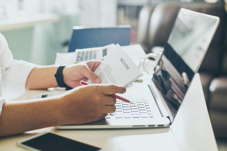 Cererea de angajare: model și sfaturi pentru redactare